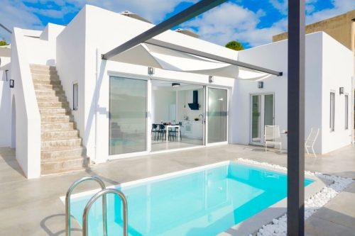 Leuk vakantiehuis Beach Villa Paradiso I in Griekenland
