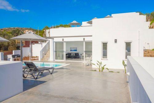Leuk vakantiehuis Beach Villa Paradiso II in Griekenland