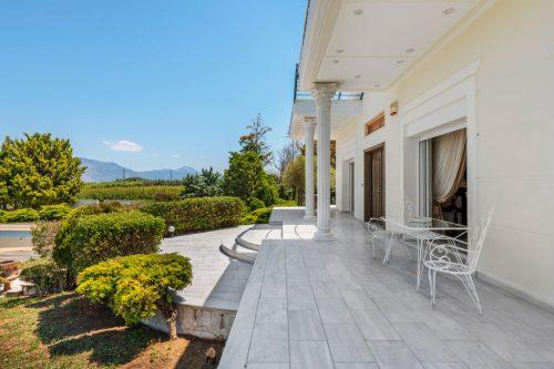 Leuk vakantiehuis Corinthian Style Villa in Griekenland