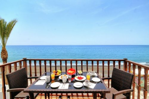 Leuk vakantiehuis Myrtos Mare Seafront Maisonette in Griekenland