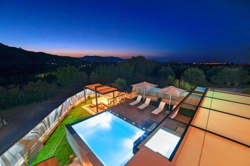 Leuk vakantiehuis Perla Bianca Villa With Heated Pool in Griekenland
