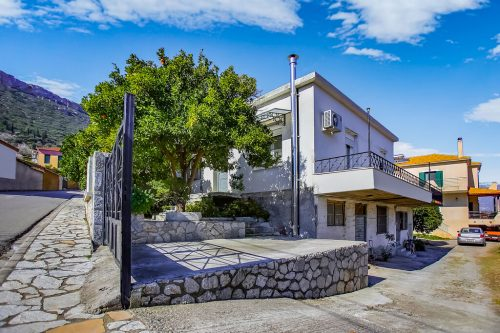 Leuk vakantiehuis Vacation Home Sernikaki in Griekenland