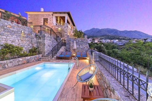 Leuk vakantiehuis Villa Acrothea in Griekenland