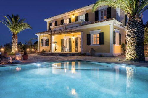 Leuk vakantiehuis Villa Almeira in Griekenland