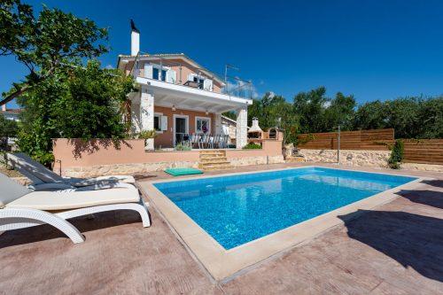 Leuk vakantiehuis Villa Antonio in Griekenland