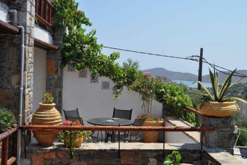 Leuk vakantiehuis Villa Evenos Elounda Traditional Art Suites in Griekenland