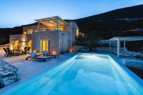 Leuk vakantiehuis Villa Helios in Griekenland