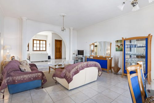 Leuk vakantiehuis Villa In Aeigera in Griekenland