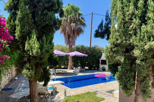 Leuk vakantiehuis Villa In Loutra in Griekenland