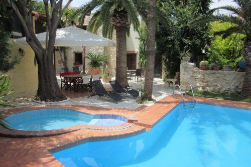 Leuk vakantiehuis Villa Kostas in Griekenland