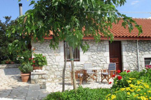 Leuk vakantiehuis Villa Leonidion in Griekenland
