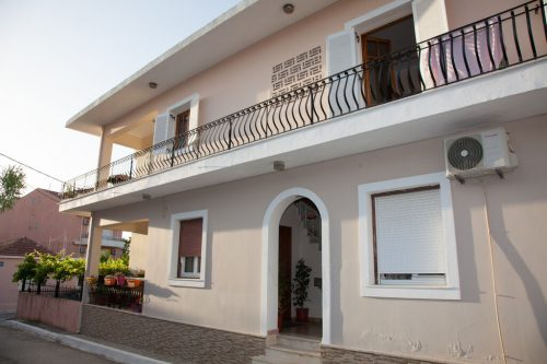 Leuk vakantiehuis Villa Spiros in Griekenland